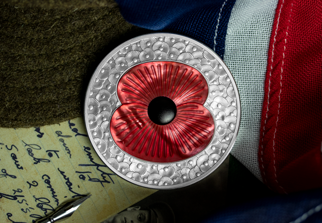 LS 2019 10 GBP 5 oz Poppy Masterpiece Coin Lifestyle 2 - Secrets of the trade: Making a Masterpiece