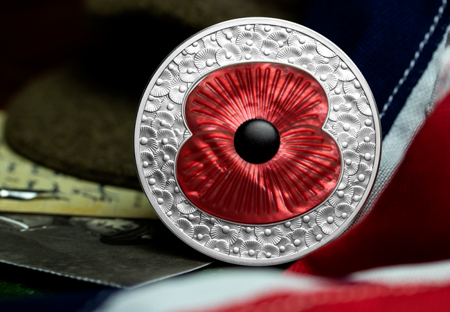 LS 2019 10 GBP 5 oz Poppy Masterpiece Coin Lifestyle 3 - Secrets of the trade: Making a Masterpiece
